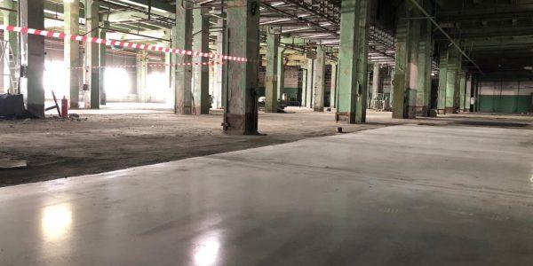 Бетонный промышленный пол с топпингом